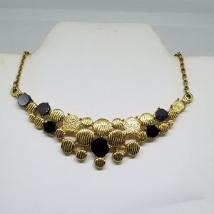 Sarah Coventry golden necklace
